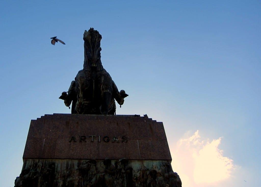 Montevideo Plaza Independencia