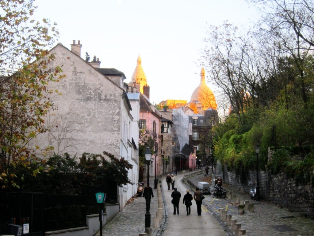 Winding our way up to Sacre Coeur