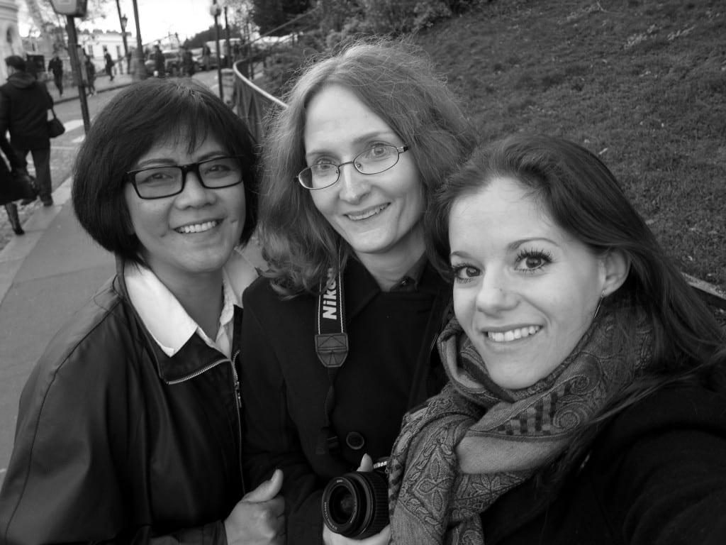 travel writers in paris