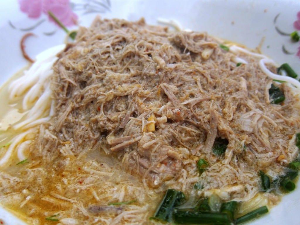 khao puun coconut soup in Laos