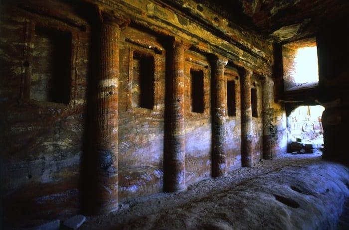 travel to jordan - Petra Tombs
