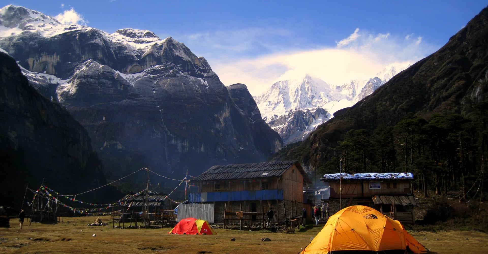 Trekking Nepal's High Passes