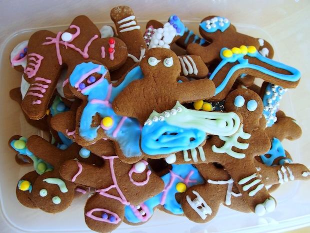 Pile of gingerbread ninjas