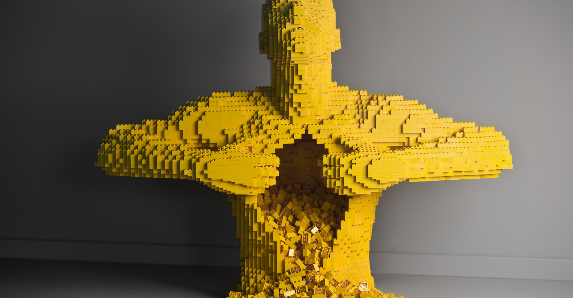 Thrillable Hours: Nathan Sawaya, LEGO Artist